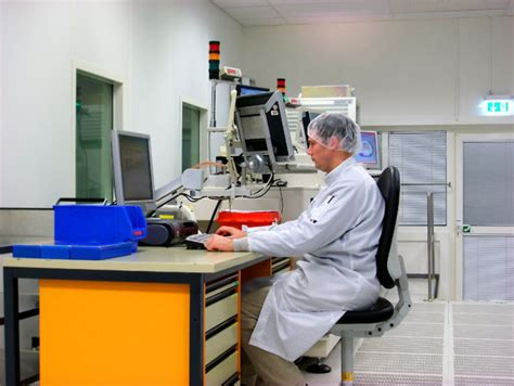 laboratory bench work laboratory training courses on hplc gc aas lab safety spectroscopy
