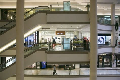 america s malls and department stores are dying off time american shopping malls are dying from neglect page 2