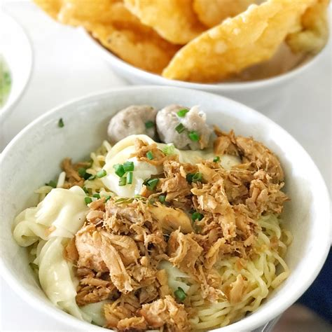 Pangsit Mie Mie Ayam pangsit mie ayam by yosaphat susanto burpple