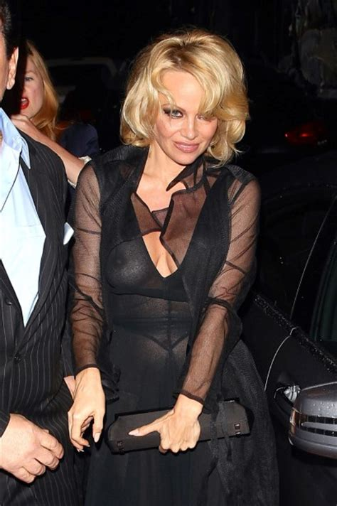 Beyonce Exposed To Hepatitis A by Nsfw The Worst Wardrobe Malfunctions The Don T Want
