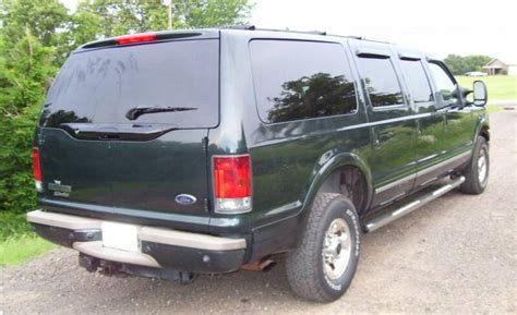 2003 ford excursion six door