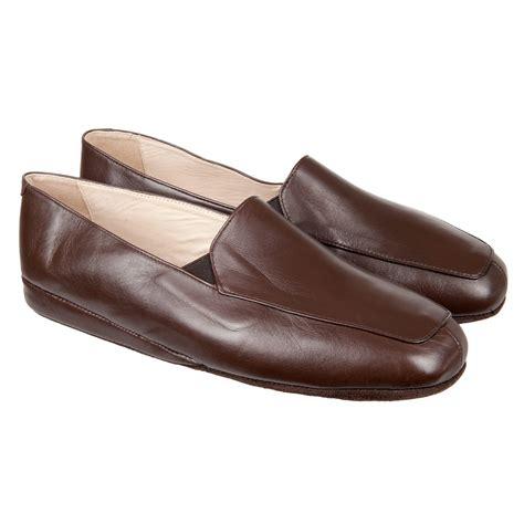 pantofole da pantofola in pelle chiusa dietro da uomo