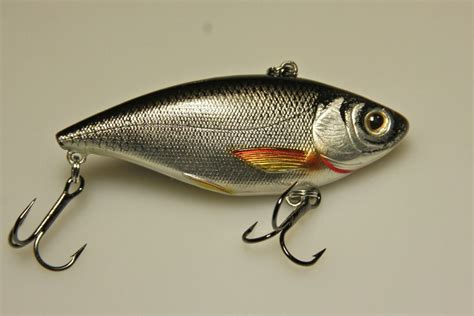lipless crankbait lipless crankbaits the easiest way to locate bass