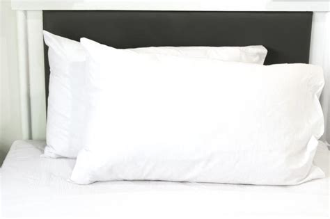 How To Make A King Size Pillow Sham by Size Standard King Vs European Sham Pillow Ehow