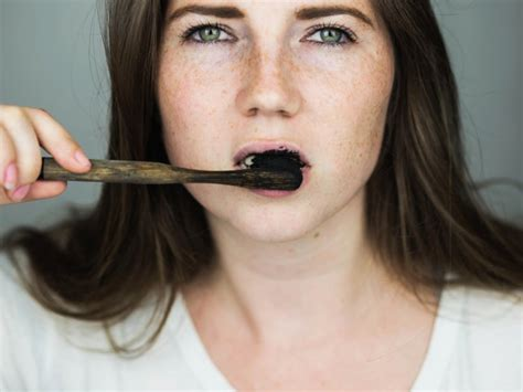 study charcoal toothpaste doesnt whiten teeth