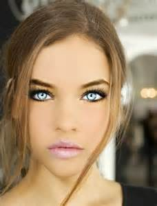 most attractive eye color if these are real eye color not photo shopped she