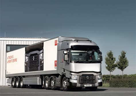 renault trucks t rhcvthe renault trucks t voted truck of the year 2015 rhcv