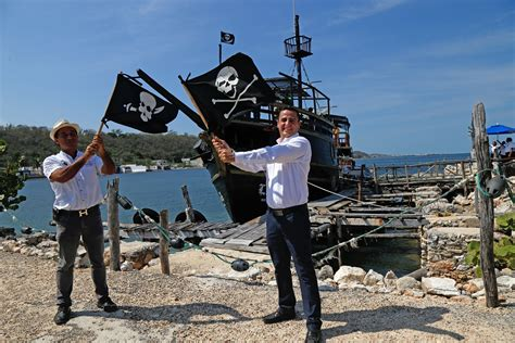 barco pirata lorencillo paseo en el barco pirata un atractivo tribuna ceche