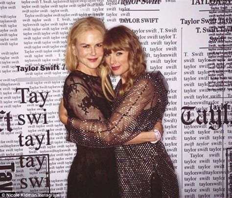 taylor swift karlie kloss nashville karlie kloss takes a selfie with pal taylor swift after