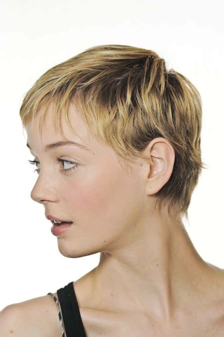 feathered pixie cuts how to cut feathered pixie haircut 59 best images about