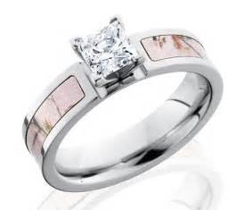 Pink camo wedding rings pink camo wedding rings