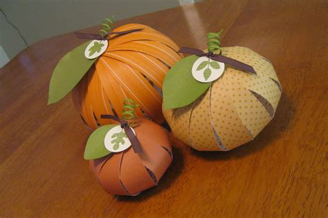 Paper Pumpkin Craft - random craft week paper pumpkins
