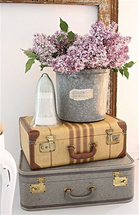 Vintage Suitcase Decor by 25 Best Ideas About Suitcase Decor On Vintage Suitcase Decor Vintage Suitcases And