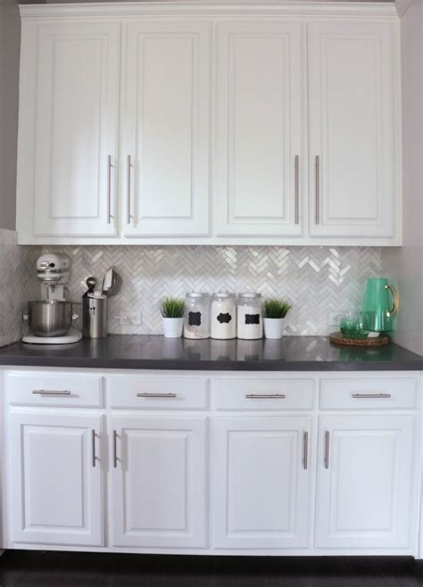 Ordinary Kitchen Cabinets That Sit On Countertop #9: Closeup%2Bof%2Bkitchen%2Bcounters.jpg