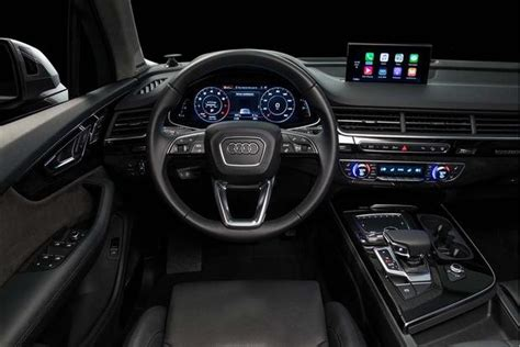 difference between audi a7 and s7 2015 audi q7 vs 2017 audi q7 what s the difference