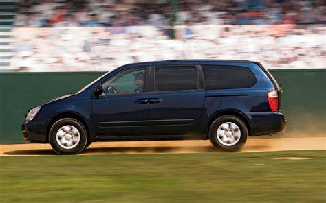Does Kia Make A Minivan Minivan Comparison Kia Sedona Side Photo 3