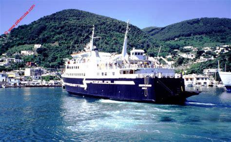 porto di napoli per ischia traghetti per ischia