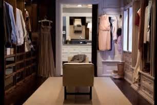 Modernos modelos de walk in closets para tu dormitorio dormitorio