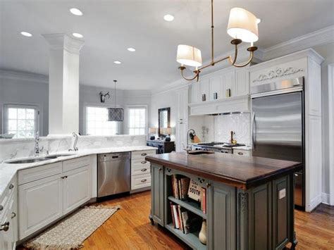 painting kitchen cabinets blog 25 tips for painting kitchen cabinets diy network blog