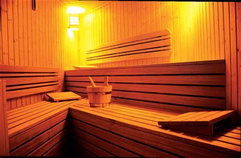 la sauna finlandese wellness experience