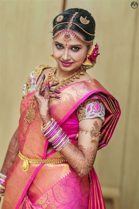 Wedding Hairstyles South Indian Brides by 10 Gorgeous Nethi Chuttis For South Indian Bridal Hairstyles