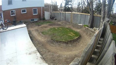 Backyard Pumptrack by Mini Track 1 3