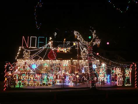 homes decorated for christmas outside top 10 biggest outdoor christmas lights house decorations digsdigs