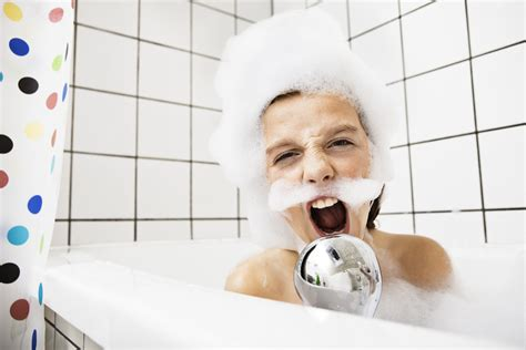 singing in the bathtub easily distracted by noise you might just be a creative
