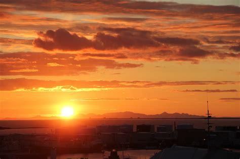 sunset reykjavik iceland knit inspiration 2 frivolous at last
