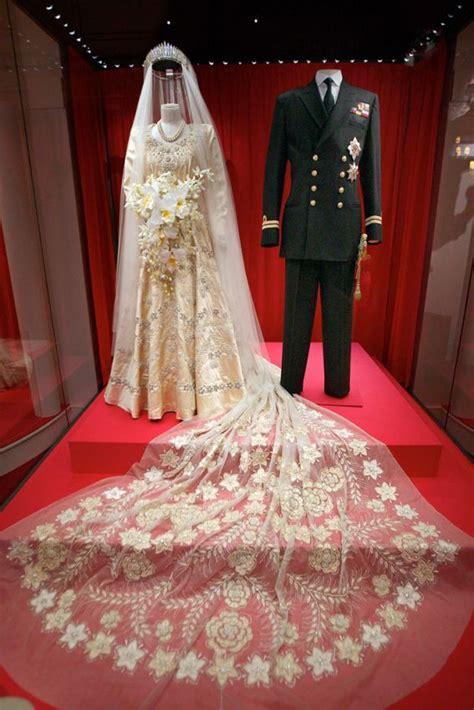 Dres Elizabeth elizabeth ii wedding dress 1949 fancy antiques
