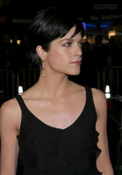 Selma Blair's short hair that exhibits her eyes, jaw line