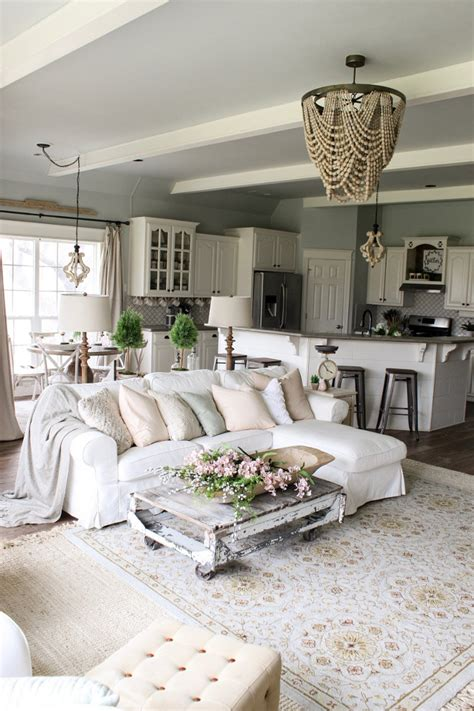 farmhouse decor in 10 stunningly gorgeous living rooms beautiful homes of instagram home bunch interior design