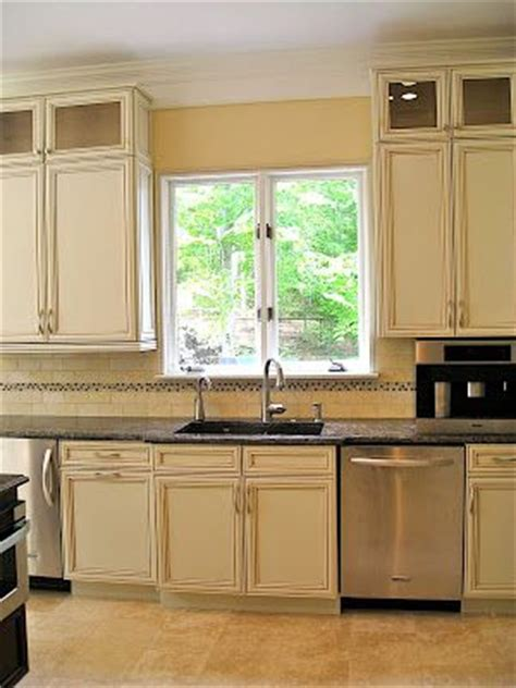gardenweb kitchen cabinets help w backsplash off white buttercream glazed