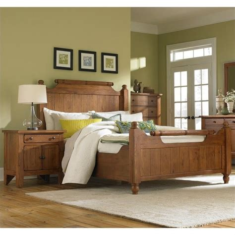 Attic Heirlooms Bedroom | broyhill attic heirlooms feather bed 3 piece bedroom set