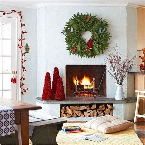 simple christmas home decorating ideas 55 dreamy christmas living room d 233 cor ideas digsdigs
