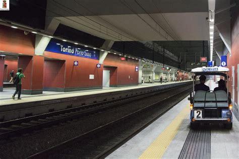 stazione di porta susa torino stazione di porta susa treno travolge e uccide un uomo