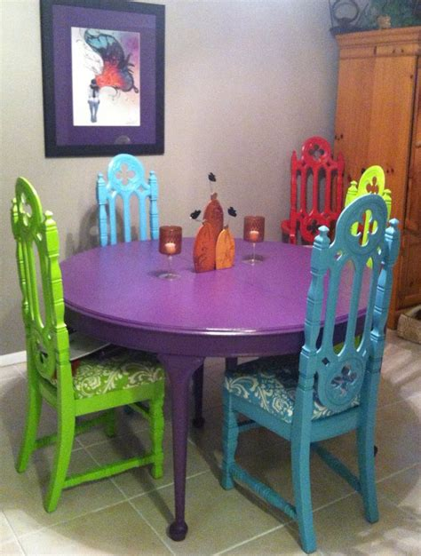 different ways to paint a table found the gothic church chairs and table at a garage sales
