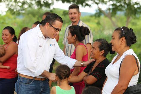 en apoyo a la comunidad refrenda seapal apoyo a la comunidad de el aguacate seapal vallarta