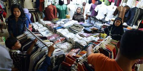 Jaket Second Di Pasar Senen Pakaian Bekas Di Pasar Senen Mengandung 216 000 Bakteri