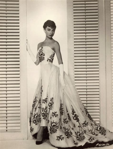 Sabrina Chiffon Grace beautiful fashions of hepburn in the 1950s vintage everyday