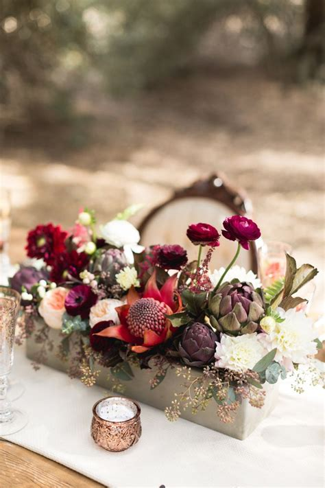 autumn wedding flowers  burgundy details