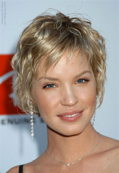 semi short hairstyles for curly hair short hairstyles for semi curly hair hairs picture gallery
