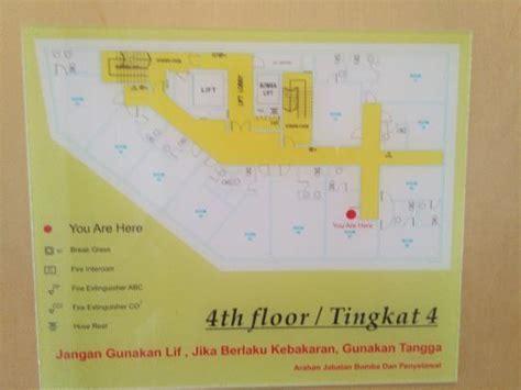 Kasur Lantai Kasur Besar Yang Empuk Picture Of Metro Hotel Kuala Lumpur Tripadvisor