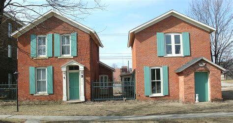 two houses calder houses