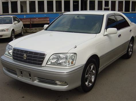 Crown Motors Toyota Toyota Crown Photos News Reviews Specs Car Listings