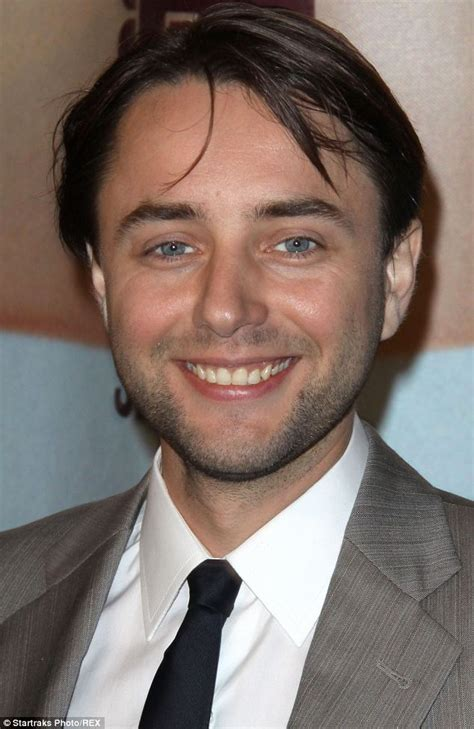 vincent hair mad s vincent kartheiser shows hairline