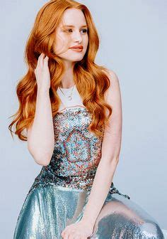 prive revaux madelaine petsch uk new madelaine for priv 233 revaux her sunglasses collection