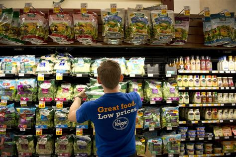 kroger food kroger buying roundy s in supermarket chain deal to expand in midwest fortune