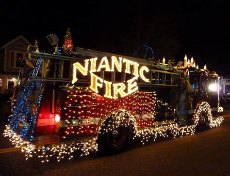 niantic christmas light parade 2017 local festive december events the lancelot