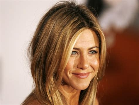 jennifer anistons hair color formula jennifer aniston at the los angeles premiere of marley